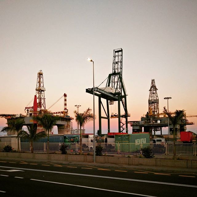 Went to the South of the island, which as expected is a tourist ghetto full of old crustacean-level English people watching the football over chips & lager. So here's a crane and some oil platforms instead.